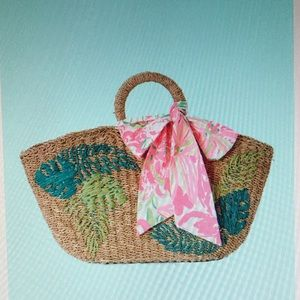 Brand new Lilly Pulitzer Flora straw tote